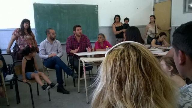 Nueva escuela primaria y rescontrucción de escuela técnica para el barrio Gaona