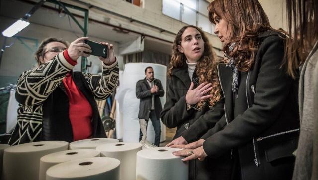 Cristina visitó Moreno y dialogó con trabajadores de una empresa