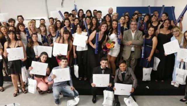 VI Ceremonia de Graduación y V Acto Académico de Entrega de Títulos Intermedios