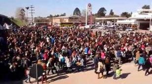 En memoria de Sandra y Rubén, todo Moreno se moviliza reclamando escuelas dignas