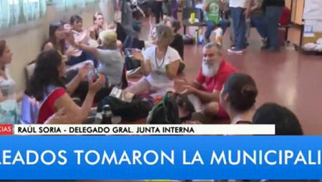 Trabajadores de Moreno tomaron el palacio municipal
