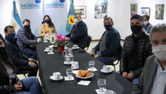 Fernández y Arroyo estuvieron en el operativo de entrega de las Tarjetas Alimentar