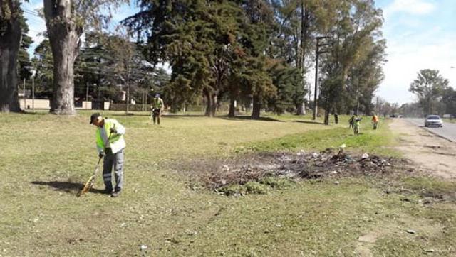Saneamiento de calles en Moreno