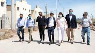 Kicillof, Fernández y kirchner entregaron 364 viviendas en el barrio La Perla