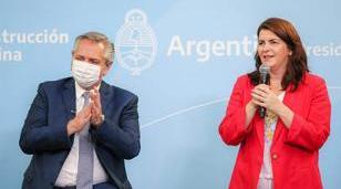 Fernández y Fernández homenajearon a trabajadoras comunitarias en moreno