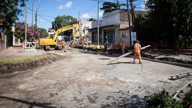 Avanzan las obras de pavimentación en Moreno